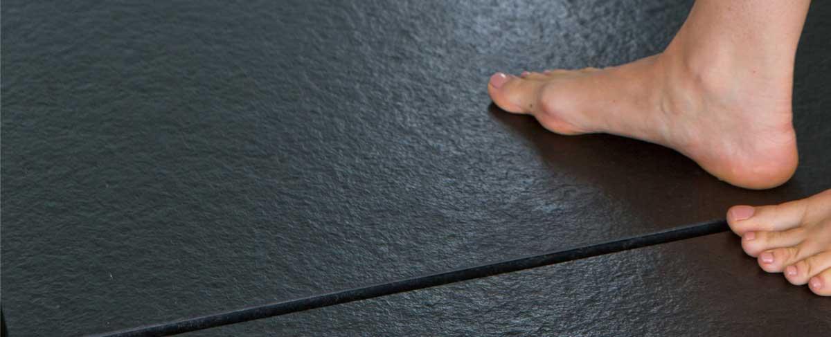 Granit Dusche als fugenlose Verkleidung