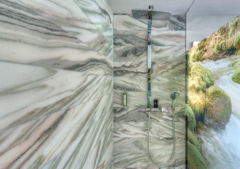 duschwand-soelker-marmor