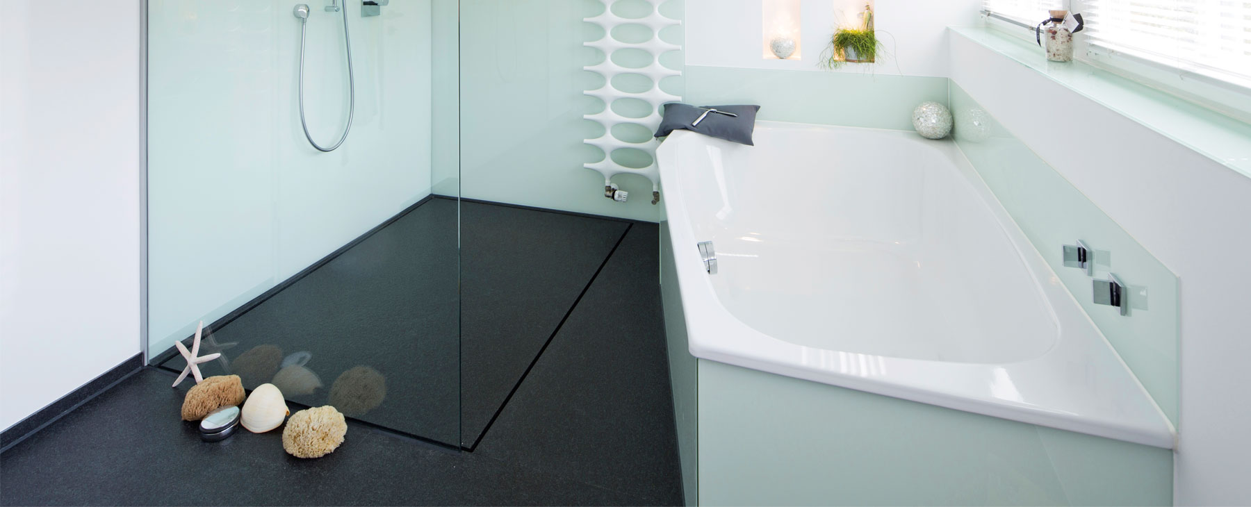fugenlose duschb den aus nero assoluto. Black Bedroom Furniture Sets. Home Design Ideas