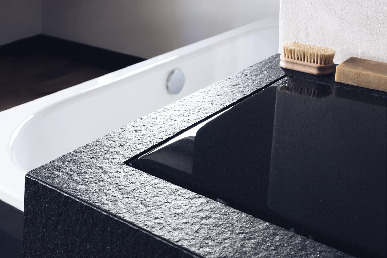 Desgn Waschtisch aus schwarzem Granit