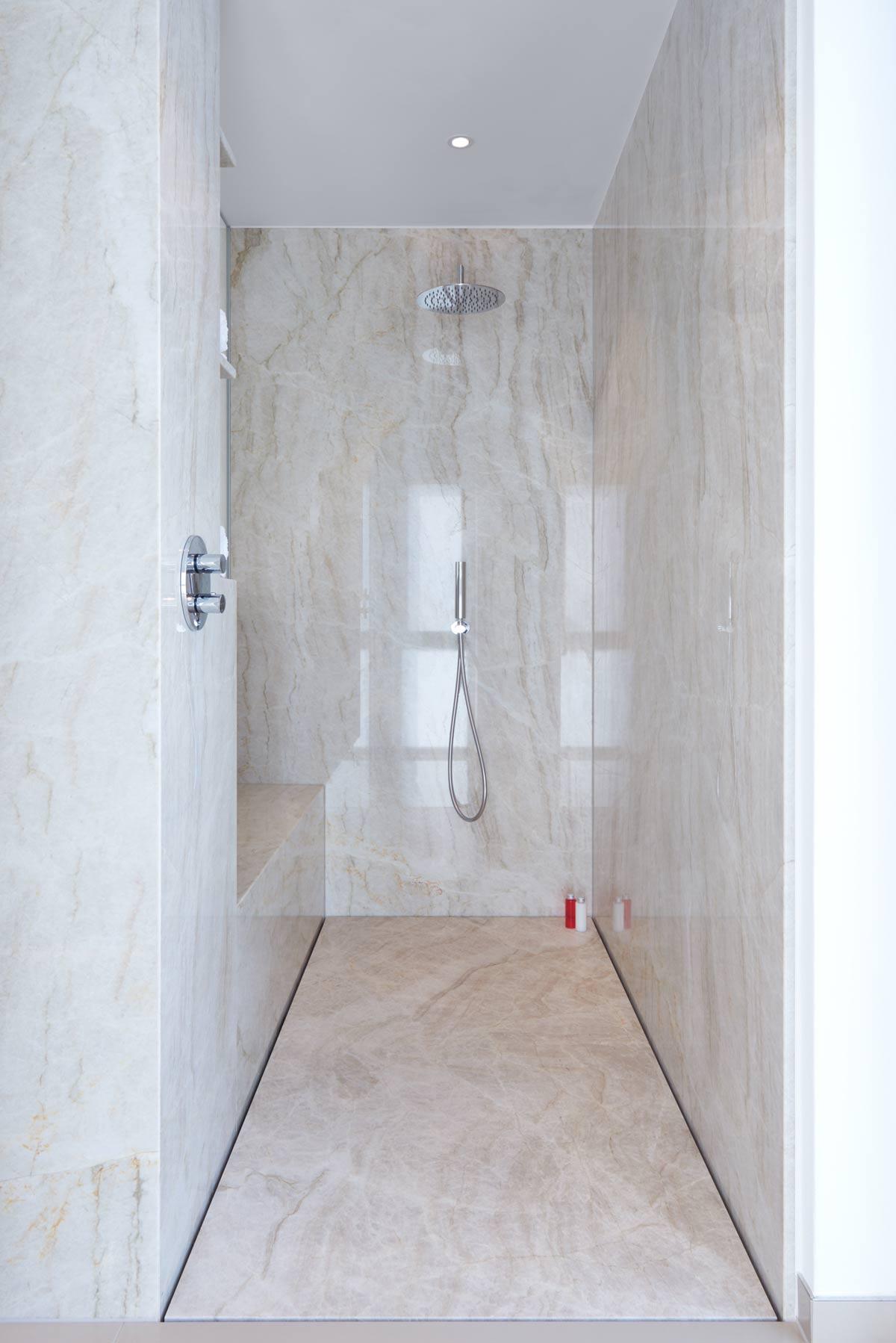 Fugenlose Duschen - pflegeleicht und puristisch - baqua
