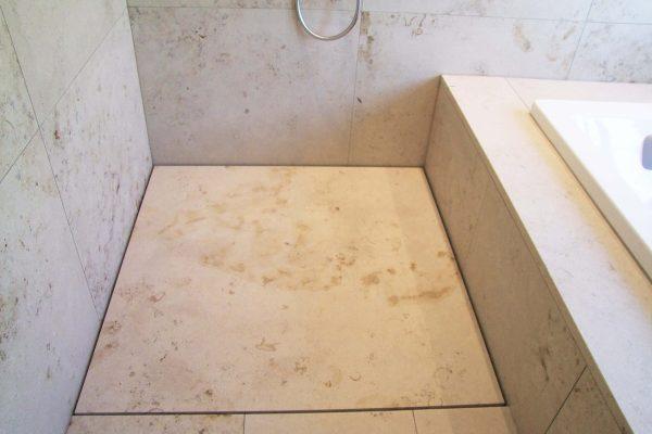 naturstein-dusche-beige3